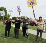 2013-09-14-11-50-21-Minimum wage protest